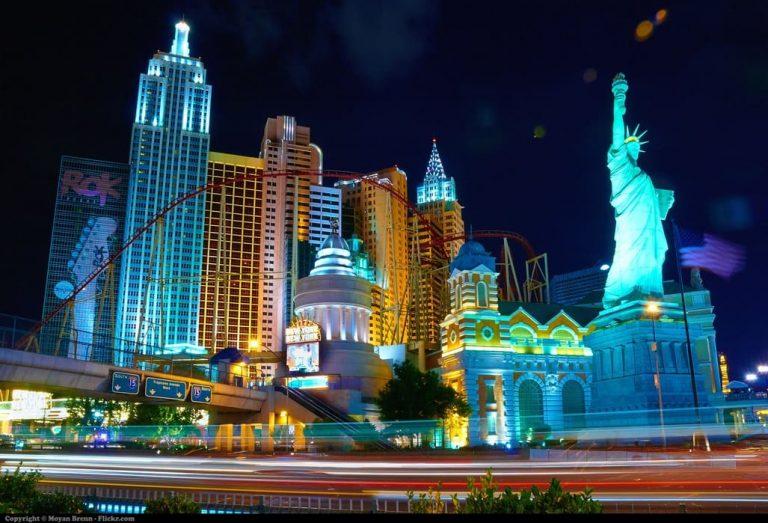 Las_Vegas,_Nevada,_USA)